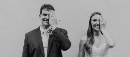 O casamento rústico de Gabriela e João Robert...