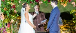 O casamento boho chic de Luisa e David celebr...