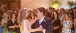 A história dos noivos Nicole e Thales começou...