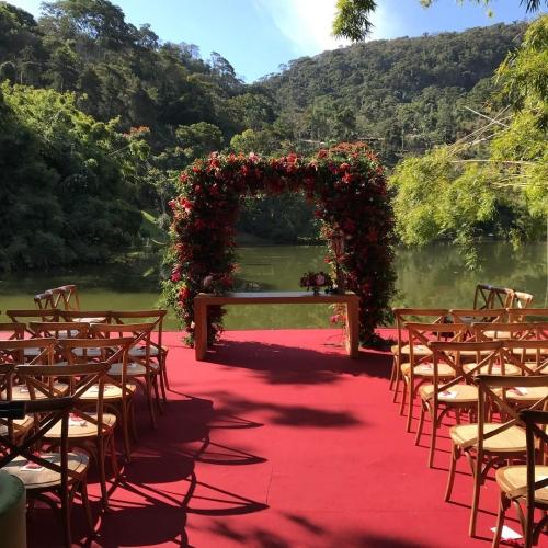 Decoração cerimônia all red