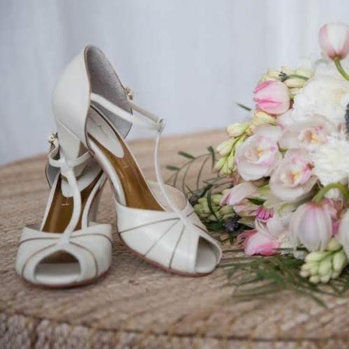 Sapatos Ju Bicudo