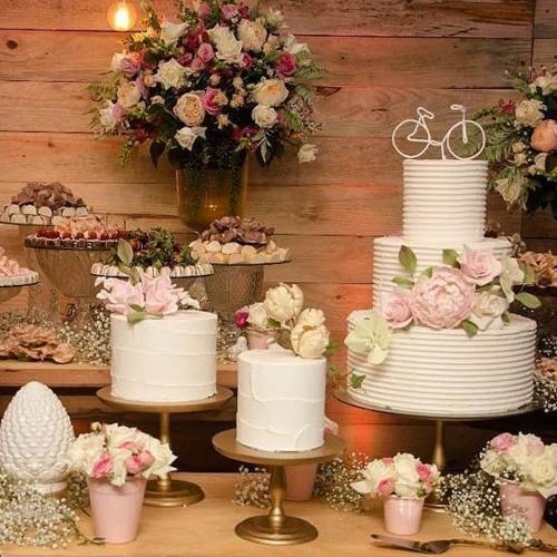 Resultado de imagem para trio de bolos para casamento