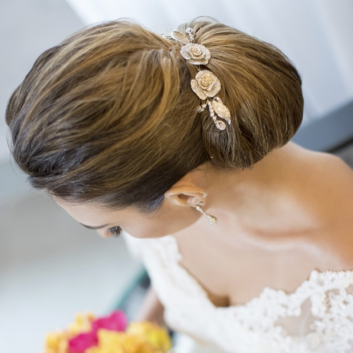 Grinalda pequena com flores ouro rosé
