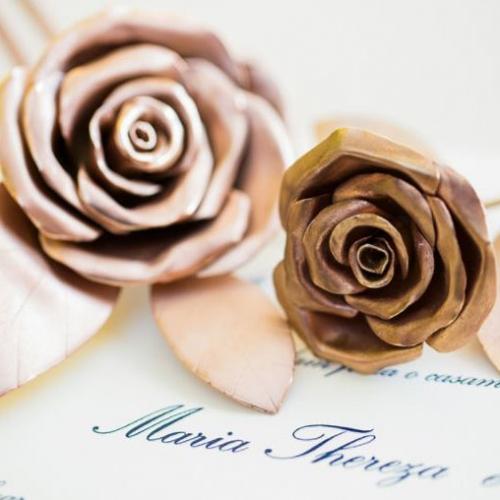 Grinalda Detalhe: flores de prata banhadas a ouro rosé