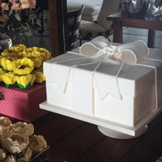bolo caixa de presente