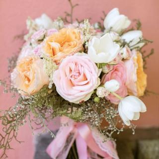 Buquê Aurora Atelier Floral para uma Princesa