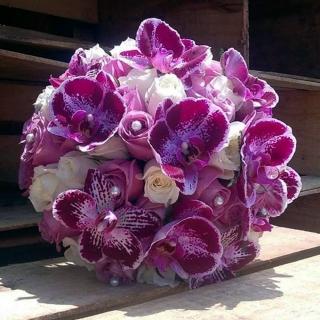 Buquê Orquídeas e rosas