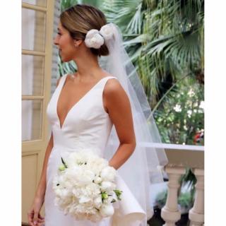 BUQUÊ DE FLORES BRANCAS POR Lucia Milan