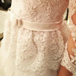 detalhes da cintura do vestido de noiva