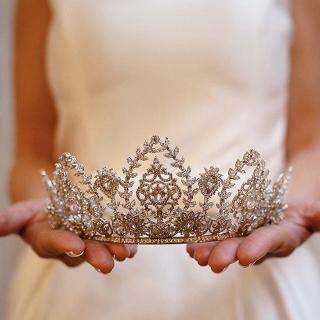 Coroa de prata nobre cravada de zircônias