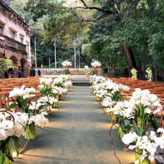 Cerimônia com copos de Leite por Daniel Cruz