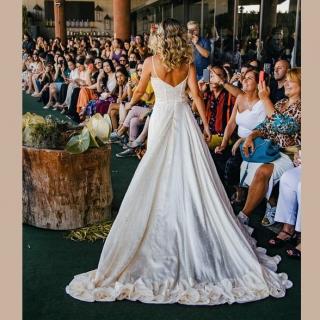 Vestido de noiva cetim de poá