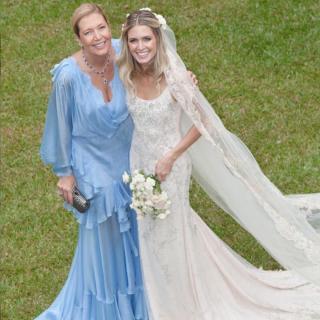 Vestido mãe e noiva por Sandro Barros